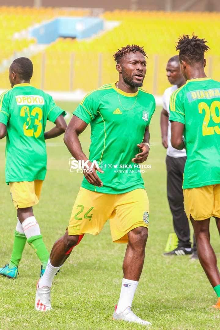 Aduana Stars defender Farouk Adams signs contract extension with club